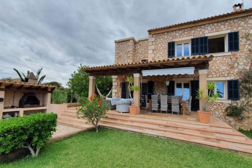 Wunderschöne Finca mit 2 Häusern in Portocolom