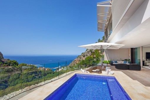Schöne Luxus-Doppelhaushälfte in der Cala Llamp