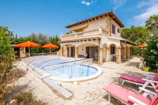 Modernisierte, mediterrane Villa mit hochwertiger Ausstattung und Pool in Son Serra de Marina