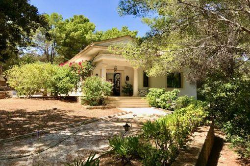 Möblierte Villa mit Garten in ruhiger Wohnlage und Golfplatznähe in Palma
