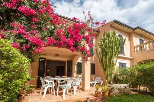 Top gepflegtes Reihenhaus mit hohem Wohnkomfort in Wohnanlage mit Swimmingpool in Port de Pollensa