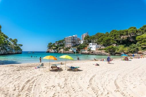 Feinsandiger Strand der Cala Santanyi