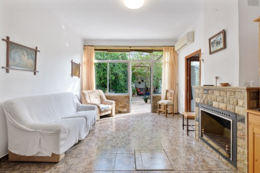 Zum Renovieren: Schönes Dorfhaus mit Garten, Garage und Dachterrasse in Alaró