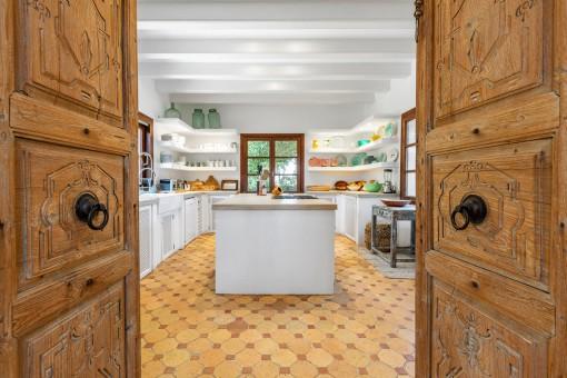 Massivholz-Tür zur Küche