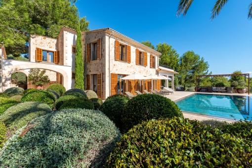Einzigartiges, hochwertiges Fincaanwesen in Porreres mit Ferienvermietunslizenz und Rundum-Blick über Mallorca