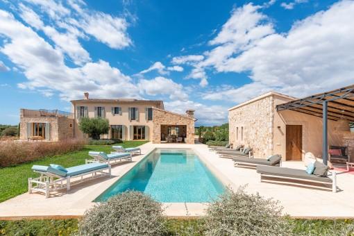 Beeindruckende Luxusfinca mit spektakulärem Panoramablick bis hin zum Meer in Santanyí