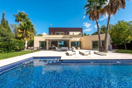 Moderne Familienvilla mit großem Grundstück und absoluter Privatspähre am Stadtrand von Palma