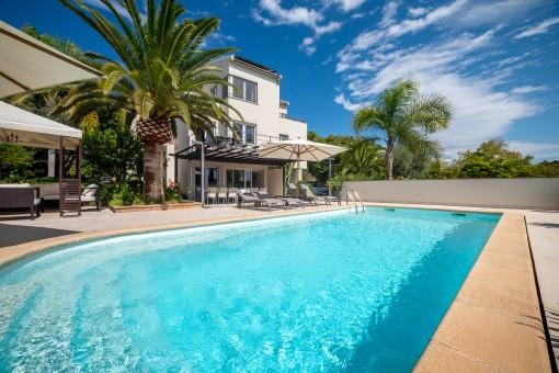 Moderne und elegante Villa mit 2 separaten Gästeappartements (mit Ferienvermietungslizenz) Nähe Son Vida