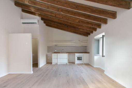 Wohnbereich und Küche im Obergeschoss