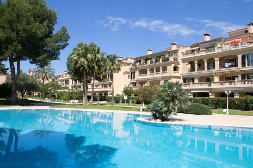 Helle Wohnung mit großer Terrasse in gepflegter Anlage in Puig de Ros