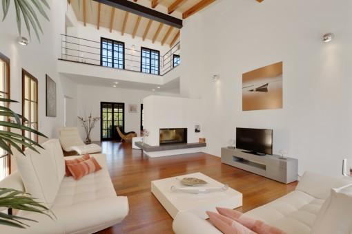 Eleganter Wohnbereich im Loftstil