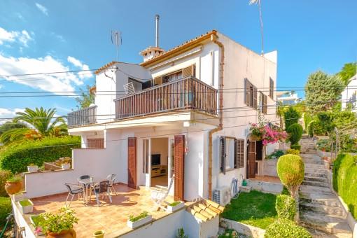 Erdgeschosswohnung in völliger Südausrichtung mit großzügiger Terrasse in fußläufiger Entfernung zur Badebucht in Alcanada bei Alcúdia