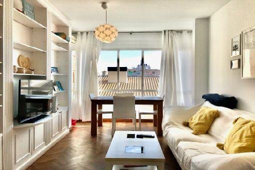 Modernes, möbliertes Apartment mit Parkettböden und Aufzug an Palmas La Rambla