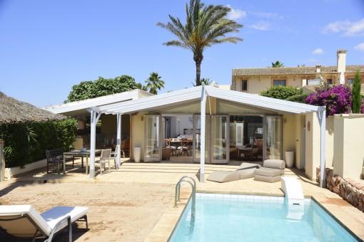 Separates Gästehaus mit Pool