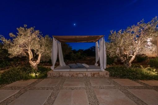 Loungebereich bei Nacht