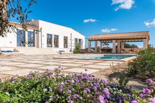 Exklusives Landhaus mit Pool und Weitblick nahe Ses Salines
