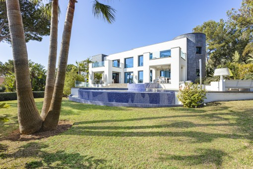Traumhafte Luxusvilla mit fantastischen Meerblick in Cala Vinyas