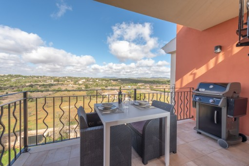 Helles Penthouse mit privater Dachterrasse mit Jacuzzi in Porto Cristo