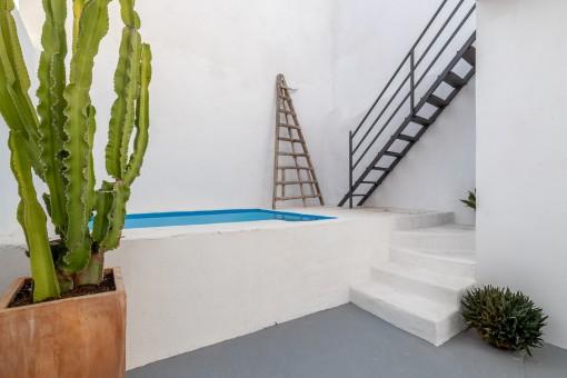 Privater Pool im Innenhof
