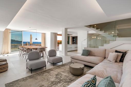Exzellentes Duplex Apartment in erster Meereslinie nahe Port Adriano