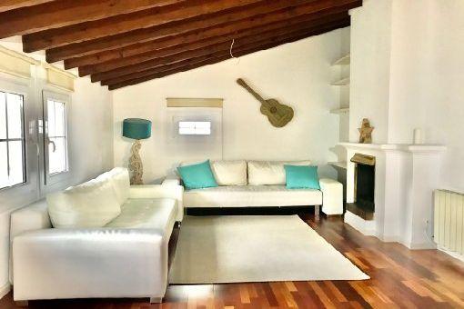 Möbliertes Apartment mit Gemeinschaftsdachterrasse am Plaça del Mercat