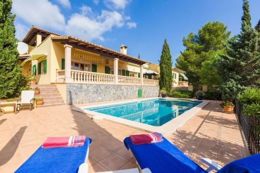 Sehr helle Villa mit Pool in idyllischer Umgebung in Son Font