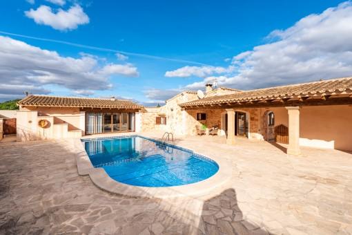 Gepflegte Finca mit schönem großem Pool bei Santanyí