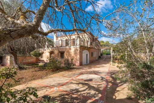 Mallorquinische Villa zum Renovieren in Vallgornera