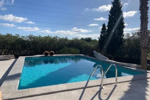Vollständig renovierte Finca mit Haupthaus plus 2 Studios und Pool in Artà