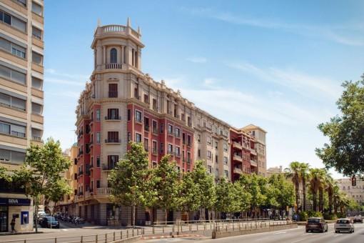 Neubau 2 SZ Luxus Stadtwohnung mit Terrasse im 1. Stockwerk eines historischen Gebäudes im Zentrum Palmas