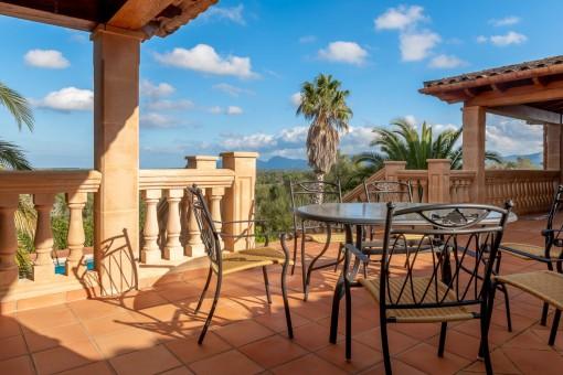 Weitere Terrasse mit Sitzbereich