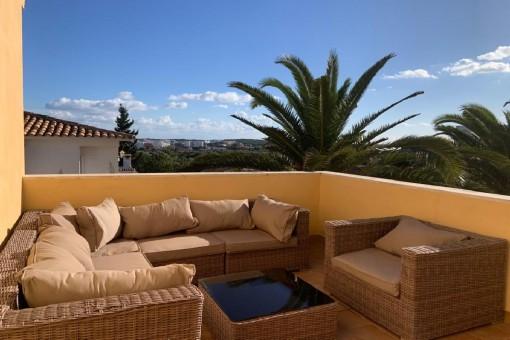 Villa in einer kleinen Urbanisation in Cala Millor mit privatem Pool und Meerblick