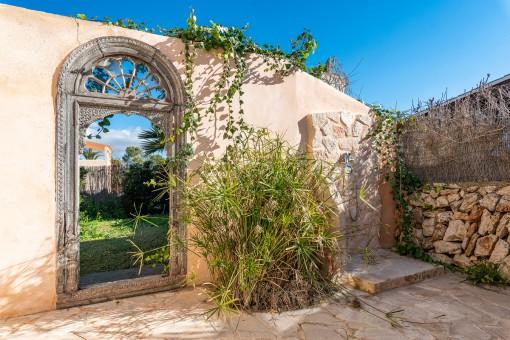 Außendusche und Garten