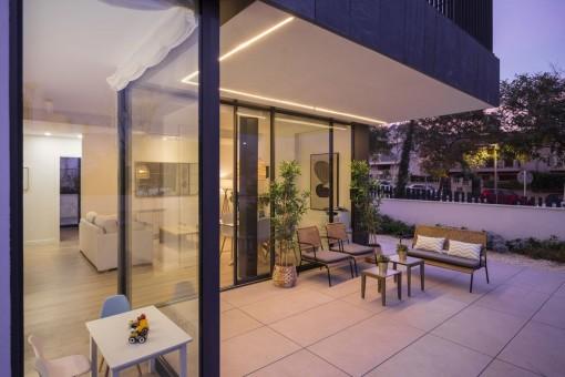 Modernes 3-SZ Neubau Erdgeschoss Apartment mit privatem Garten und Gemeinschaftspool in zentraler Lage in Palma