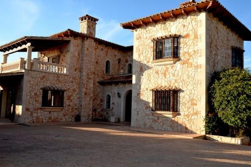 Wunderschöne, neu erbaute Villa mit Meerblick in Sa Torre