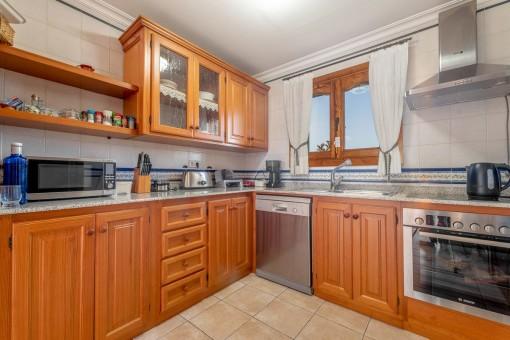 Rustikale Küche aus Holz