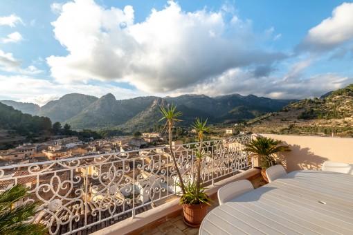 Haus mit fantastischem Panoramablick über das Dorf in Bunyola