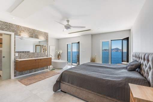 Luxuriöses Hauptschlafzimmer
