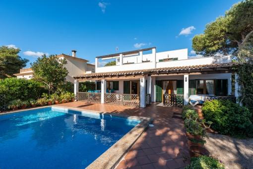 Schöne Villa mit Pool in Stranähe in Cala Pi
