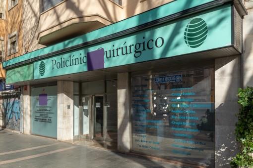 Klinik in Einkaufszone von Palma