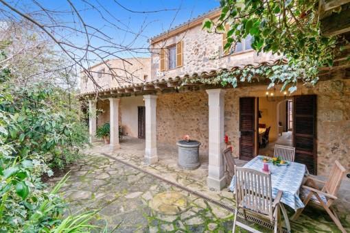 Grundsaniertes, sonniges Anwesen aus dem 18. Jahrhundert mit separaten Gästehaus, Garten und Ölzentralheizung, ideal für Homeoffice-Nutzung in Sineu