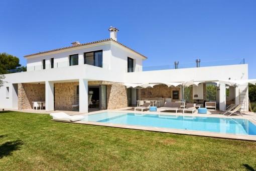 Wunderschöne 4 Schlafzimmer Villa in Top Lage von Nova Santa Ponsa