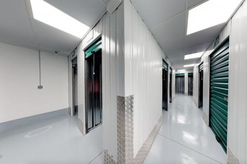 Gebäude mit Lagerräumen in Palma