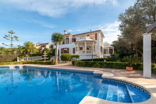 Schönes Einfamilienhaus mit Pool, schöner Aussicht und großem BBQ-Anbau in Bunyola