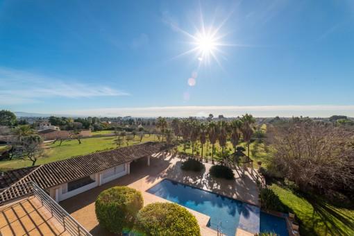 Großes Herrenhaus mit Vermietungslizenz, Pool, Terrassen, Tennisplatz, Garten und Weinkeller, auf einem Grundstück von 15.000 qm in Establiments - kaufen