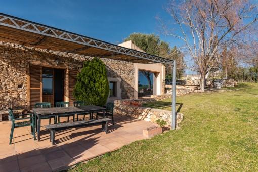 Terrasse mit Zugang nach Innen