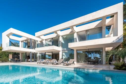 Neubau-Villa mit Meerblick in einer ruhigen Wohngegend von Portals