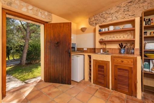 Eingang und kleine Küche