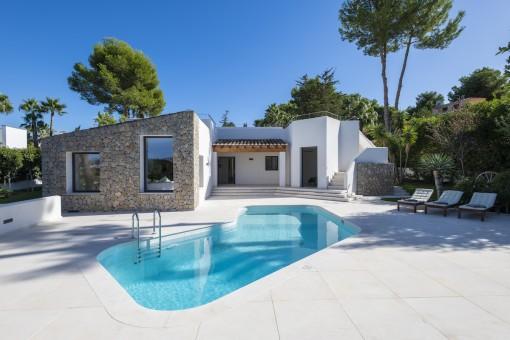 Modernes Einfamilienhaus mit Pool in ruhiger Lage in Santa Ponsa