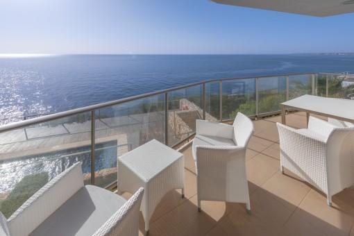 Balkon mit atemberaubenden Meerblick